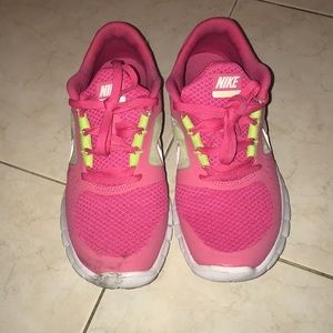 Nike sneakers in pink size 4Y!